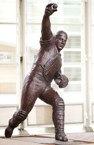 Johnny Bench statue